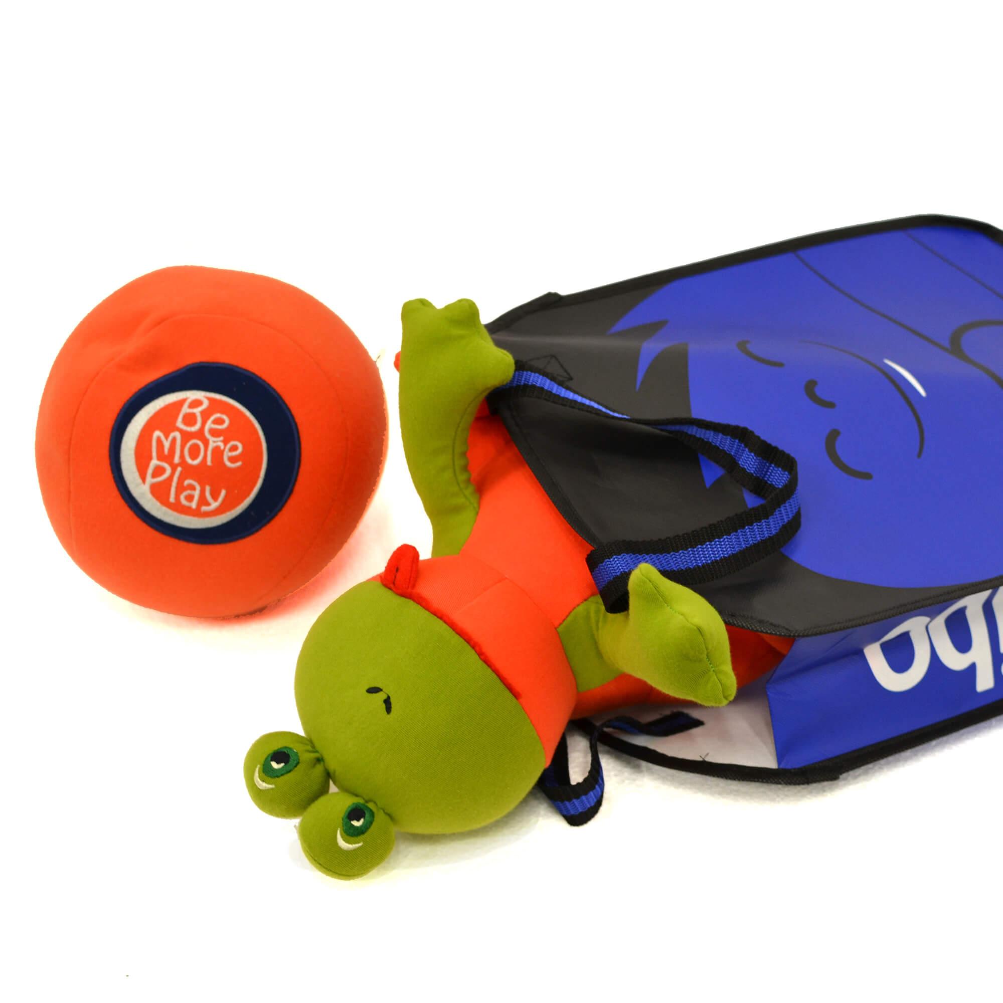 Yogibo(ヨギボー)のマスコットキャラクター Hugibo(ハギボー)がプリントされたバッグが登場。お出かけのおともや、ヨギボーのグッズを誰かにプレゼントするときのラッピングにもおすすめです